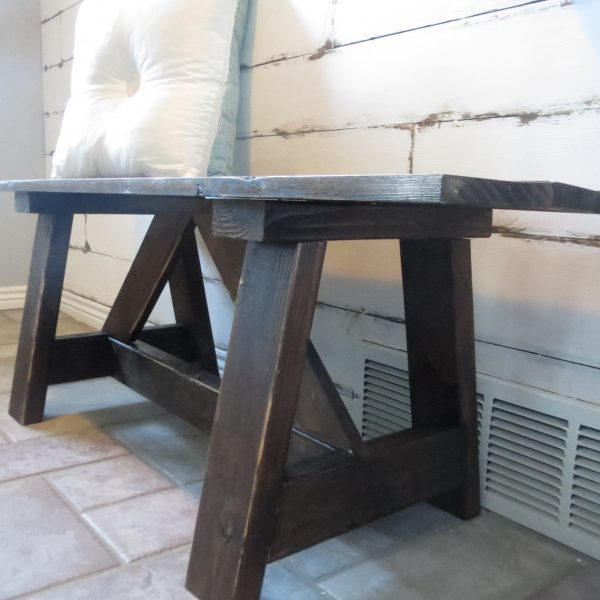 DIY Farmhouse Style Wood Bench