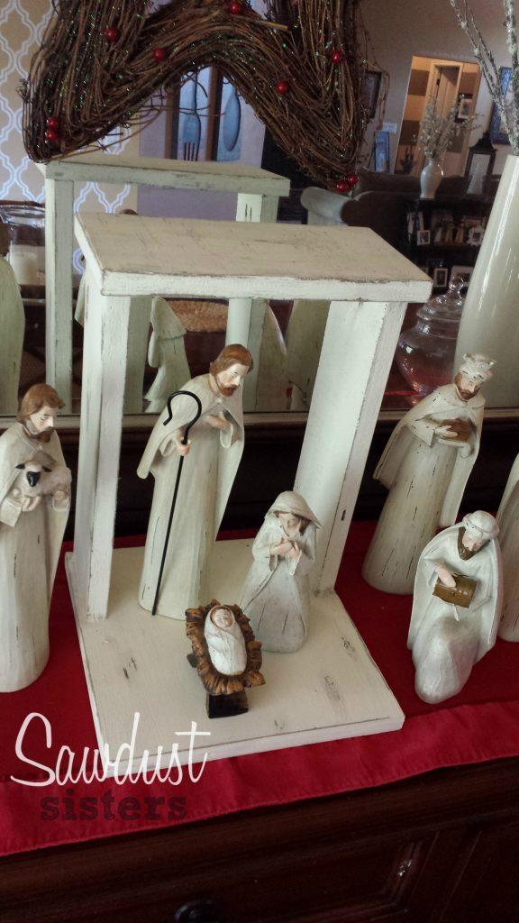 DIY Nativity Stable. Super easy! Tutorial at sawdustsisters.com