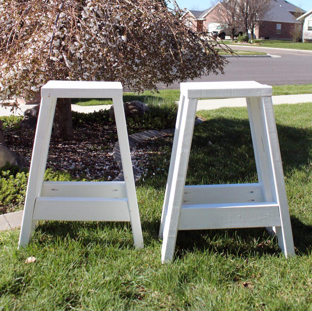 Free Plans- 2x4 Barstools