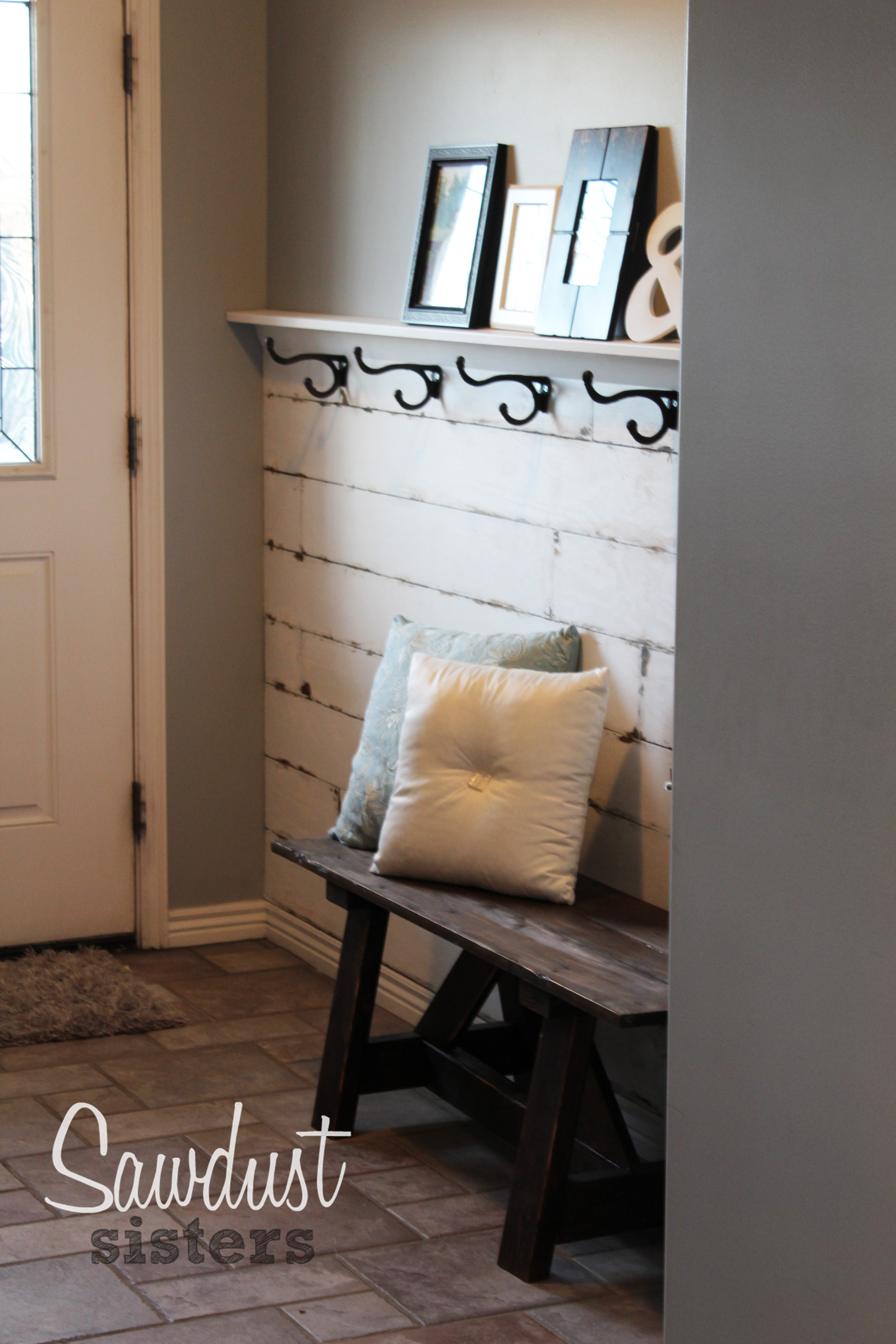 Diy entry way plank wall video tutorial sawdust sisters - Wall art for entrance way ...