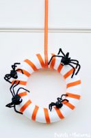 Halloween Wreath Ideas by Sawdustsisters