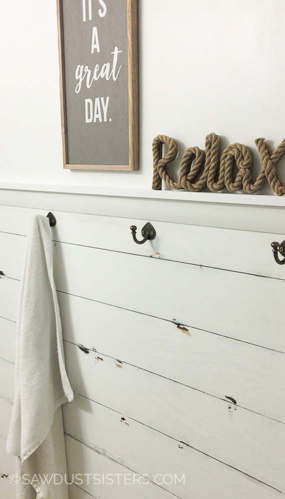 DIY Faux Shiplap Wall