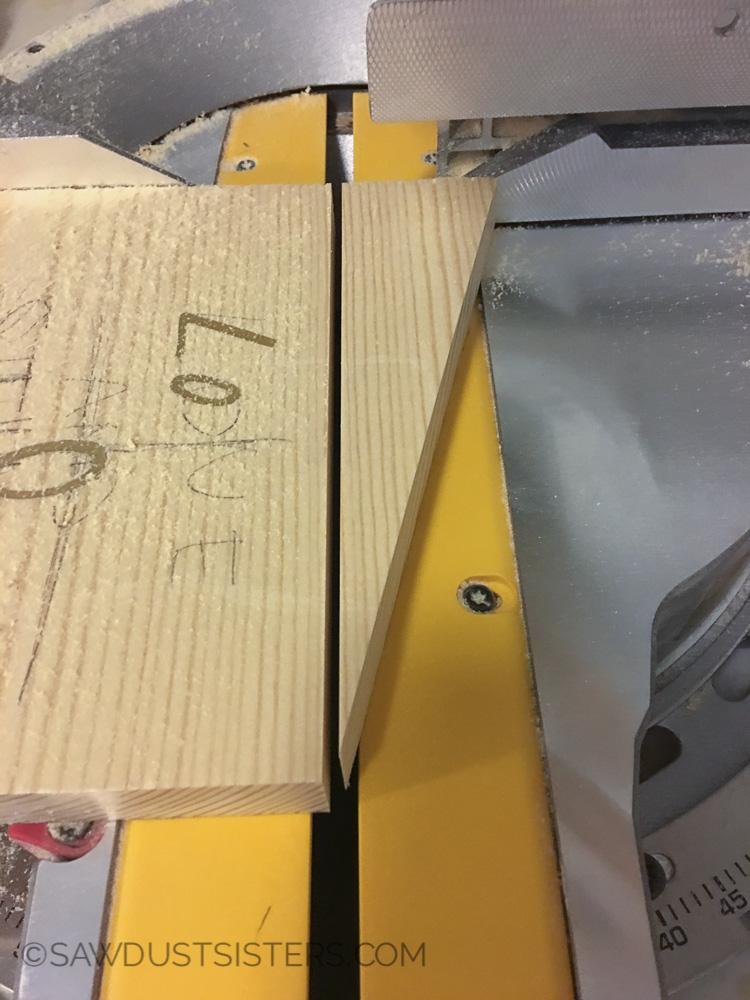 Cuts for DIY wall key holder