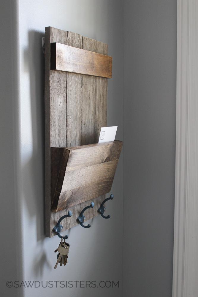 farmhouse style shiplap wall key holder sawdust sisters. Black Bedroom Furniture Sets. Home Design Ideas