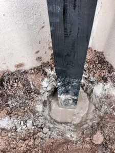 DIY Chunky Garden Hose Holder Cemented in the Ground! It's not hard!
