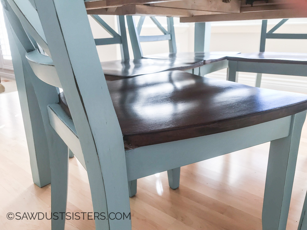 General Finishes Persian Blue on this gorgeous dining table makeover. I think I'm ready to paint mine!