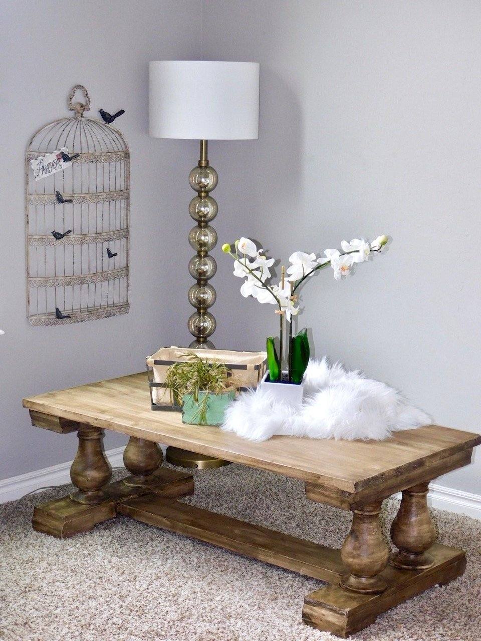 Gorgeous Coffee Table! Get the FREE PLANS!