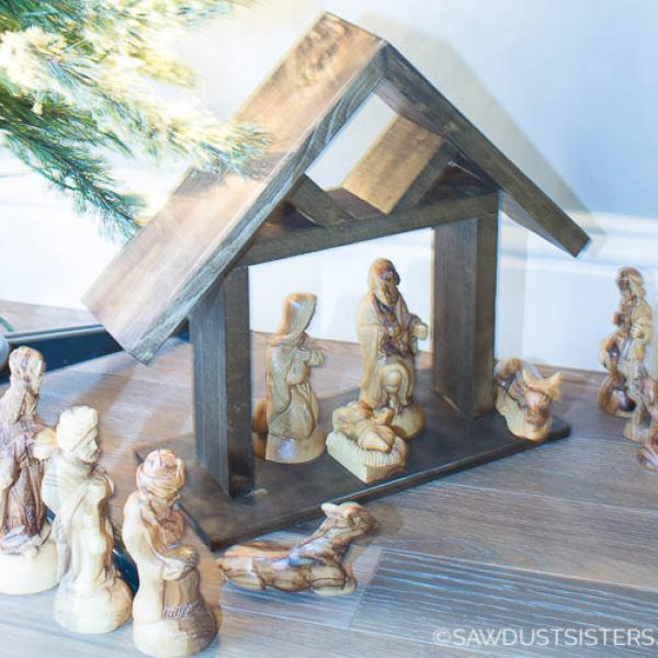 DIY Wooden Manger from Scrap Wood