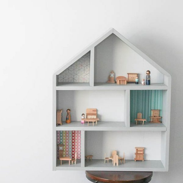 DIY Handmade Wooden Dollhouse {Video and Free Plans}